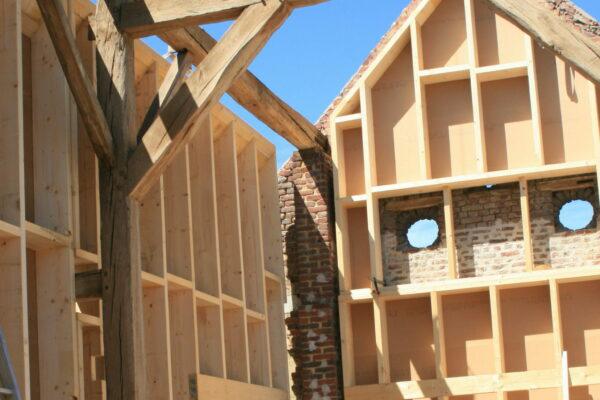 kvh ossature bois dwd agepan maçonnerie charpente vieille renovation grange bois